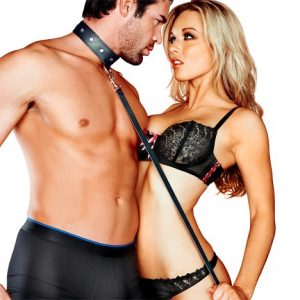 Sportsheets Leather Collar & Leash Bondage Set In Action